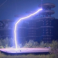 Soviet-era 'Tesla Tower' restarted with spectacular lightning bolts (VIDEO)