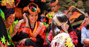 Kalash_women_traditional_clothing-1