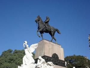 Το άγαλμα του Δημητρίου (Bartolomé Mitre ) στο Μπουένος Άιρες