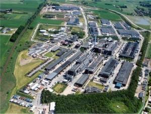 Το Τμήμα Ενζύμων της 'Novo Industri' (τώρα 'Novozymes')  δεν ξεπερνούσε το 1 εκατομμύριο $ μέχρι το 1965. Ωστόσο, αφ' ενός η εισαγωγή των βιολογικών απορρυπαντικών πλυντηρίων (αλκαλικές πρωτεάσες απορρυπαντικών) και εφ' ετέρου της ενζυμικής υδρόλυσης του αμύλου για βιομηχανική παραγωγή γλυκόζης, εκτόξευσαν την αγορά των ενζύμων σε 4 χρόνια (1969) στα 50 εκατομμύρια $, και σε 1 δισεκατομμύριο $ (2003) για την ίδια εταιρία,με την παγκόσμια αγορά ενζύμων να υπερβαίνει πλέον τα 2 δισεκατομμύρια $.