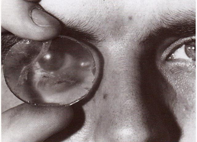 Φωτογραφία Robert Temple Βρεττανικό Μουσείο. Ο φακός Layard ταιριάζει απόλυτα στο ανθρώπινο μάτι.