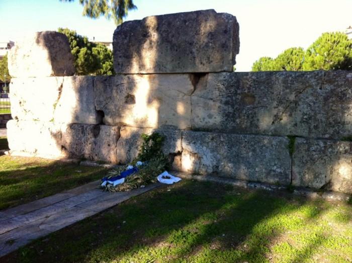 Τείχος των Δακρύων των Ελλήνων. Το Πανάγιο Μνήμα του Λεωνίδα.