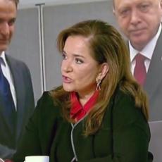 """Ν. Μπακογιάννη για Τουρκία: Είμαστε έτοιμοι να προσέλθουμε στο τραπέζι του διαλόγου με καλή πίστη. ΕΛΛΗΝΑ ΤΙ ΠΕΡΙΜΕΝΕΙΣ; ΜΕ """"ΚΑΛΗ ΠΙΣΤΗ"""" ΔΕΝ ΤΑ ΕΧΟΥΝ ΞΕΠΟΥΛΗΣΕΙ ΟΛΑ;"""