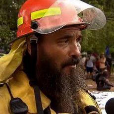 """""""Μας σκοτώνουν"""", λέει ο πυροσβέστης από την Αυστραλία (video). ΣΚΟΤΩΝΟΥΝ ΤΟΝ ΑΝΘΡΩΠΟ ΣΚΟΤΩΝΟΝΤΑΣ ΤΟΝ ΠΛΑΝΗΤΗ..."""