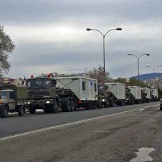 Καβάλα: Κομβόι στρατιωτικών οχημάτων τα οποία μετέφεραν λυόμενα σπίτια. ΓΙΑ ΤΟΥΣ ΑΣΤΕΓΟΥΣ ΕΛΛΗΝΕΣ; Ή ΓΙΑ ΤΟΥΣ Λ-ΑΘΡΟΟΥΣ ΕΙΣΒΟΛΕΙΣ;
