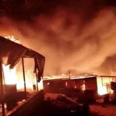 Πυρκαγιά στη Μόρια: Επίθεση μεταναστών σε πυροσβέστες με πέτρες – Έσπασαν πυροσβεστικό όχημα