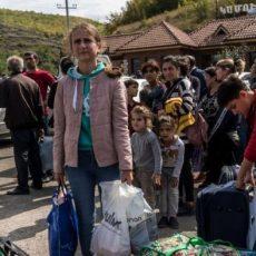ΤΥΜΠΑΝΑ ΠΟΛΕΜΟΥ; Η αφηνιασμένη τρομοκρατική Τουρκία συγκεντρώνει στρατεύματα στα σύνορα με την Αρμενία.